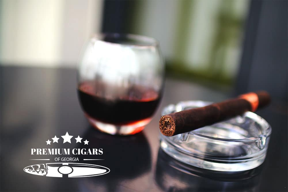 Cigar Pairings – Best Drinks That Go Well With Your Favorite Cigars